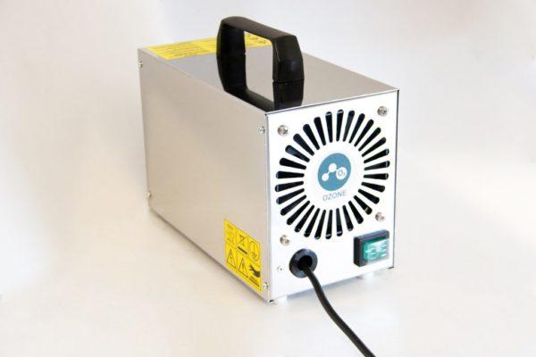 Generatore ad ozono ( Ozonizzatore ) economico e leggero per ambienti fino a 60 metri quadrati