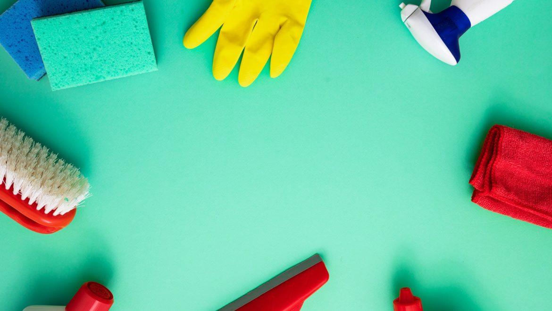 Copertina con i migliori detersivi e prodotti domestici per la sanificazione